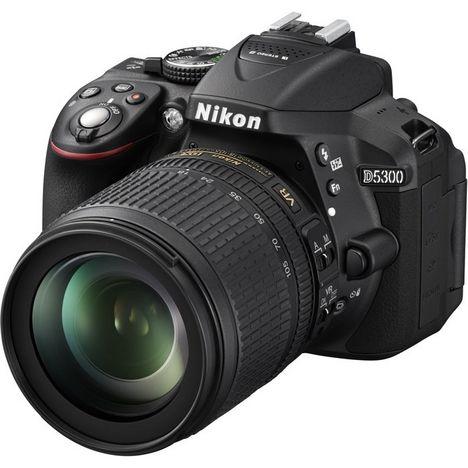 NIKON Appareil Photo Reflex -  D5300 - Noir + Objectif 18-105 mm