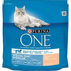 PURINA ONE One croquettes à la truite pour chat stérilisé 1,5kg